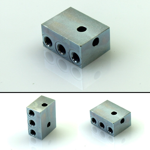 Vogel Bracketed connector, triple